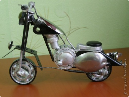 Мотоцикл из метала  фото 1