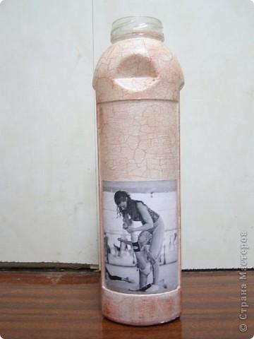 Декупаж стеклянной бутылки фото 2