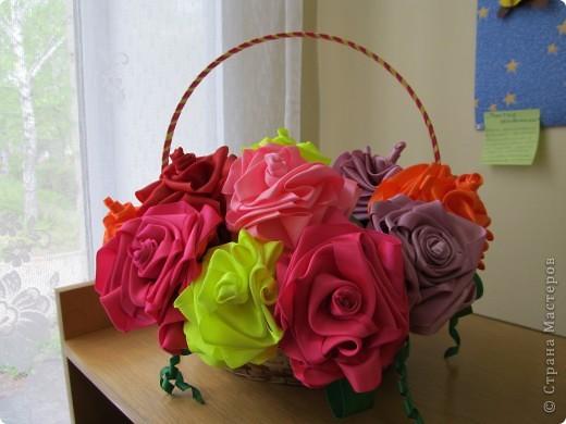 Розы сделала по  мотивам работы http://stranamasterov.ru/node/190899?tid=451%2C1303, но не в рамке, а в корзинке, цветки надеты на шпажки фото 1
