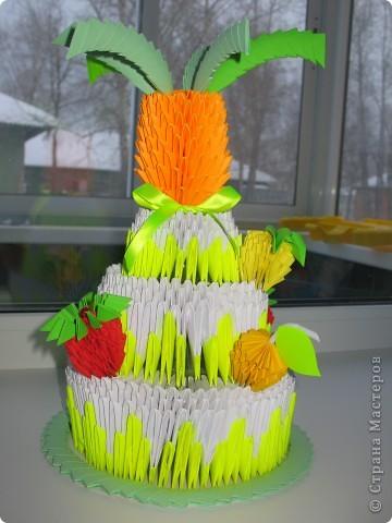 Вот мой тортик с начинкой из клубнички,лимона,апельсинки и ананаса-попробуйте Вам понравится! фото 1