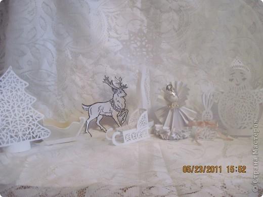 """На открытый урок с мировой литературы нужно было подготовить сочинение-презентацию и сам памятник любому герою Ганса Христиана Андерсена. В 5 классе дети читают """"Снежную королеву"""", и поскольку зимние вырезалочки у нас были готовы, вопрос кому поставить памятник отпал сам собой. А поскольку время как всегда поджимало, вопрос с выбором был решён.  Больше думали почему именно Снежной королеве? фото 1"""