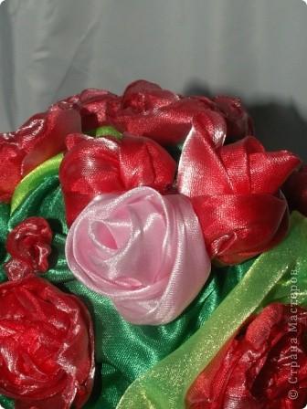 Розы, розочки! Какое удовольствие их делать! Спасибо мастерицам за идею дерева! http://stranamasterov.ru/node/138022 Отличный подарок к празднику! фото 1