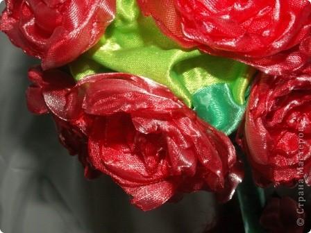 Розы, розочки! Какое удовольствие их делать! Спасибо мастерицам за идею дерева! http://stranamasterov.ru/node/138022 Отличный подарок к празднику! фото 9