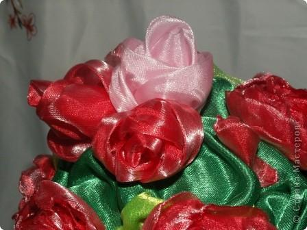 Розы, розочки! Какое удовольствие их делать! Спасибо мастерицам за идею дерева! http://stranamasterov.ru/node/138022 Отличный подарок к празднику! фото 10