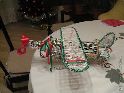 Это мои Новогодние подарки. Конечно работа не по сезону, но сани надо готовить летом. Вдруг кому пригодится. Насмотрелась на игрушки наших мастериц и решила к Новому году снеговика сшить. Это моя первая сшитая игрушка. Хотела еще и елочку сшить, но не успела. Подарила без нее. фото 3