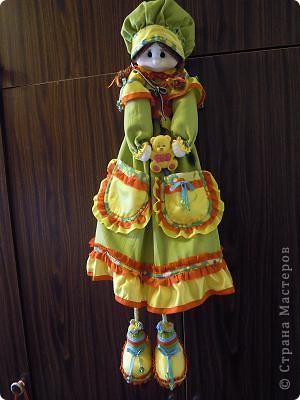 Кукла является чехлом, куда ребенок убирает свою пижаму. Лицо выполнено по МК Ликма. фото 1