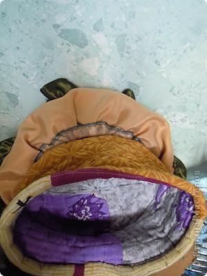 Баба на чайнике. Сшита из ткани с отделкой из вязания крючком и тесьмой.Лицо выполнено по МК Ликма. фото 4