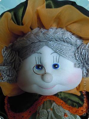 Баба на чайнике. Сшита из ткани с отделкой из вязания крючком и тесьмой.Лицо выполнено по МК Ликма. фото 5