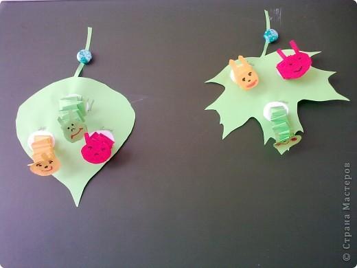 С детьми на занятии сделали вот таких весёлых гусениц.  фото 1
