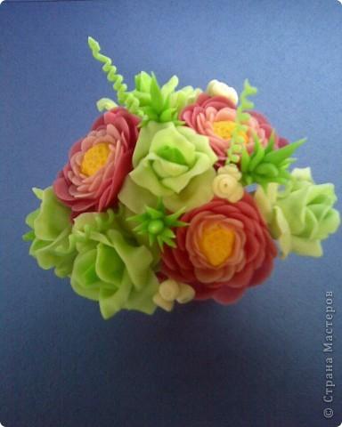 ранункулюсы и розы фото 4