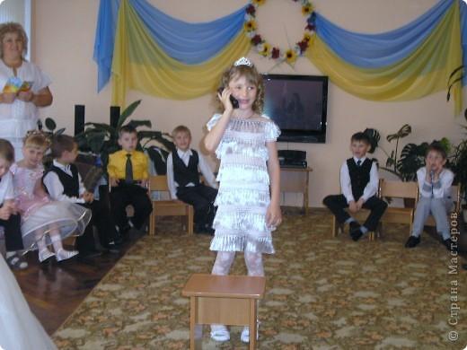 Платье на выпуск связала наша любимая бабулечка. фото 3
