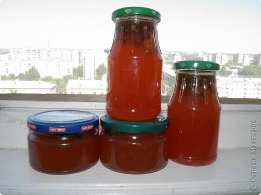 Спешу поделиться с  Вами рецептом одной вкуснятины: варенье из сосновых шишек. Делаем с мамой его уже второй год. Вкуснооооооооо! Цвет у «соснового варенья» розовато-коричневый, а на вкус оно медово-смолистое. Мало того, что варенье красивое и вкусное, как оказалось, оно ещё и невероятно полезное!  фото 1