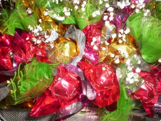 Букетики из конфет фото 4