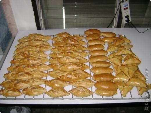 """Вот такой хлебушек я пеку для своей семьи постоянно. Мы живем там, где ржаного хлеба не бывает. А так хочется иногда настоящей """"чернушечки"""".  фото 2"""