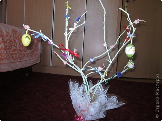 Вот такое моё первое пасхальное дерево