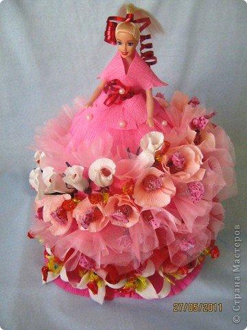 Уже очень давно хотела сделать платье кукле из конфет. И вот, что у меня получилось в первый раз. фото 2