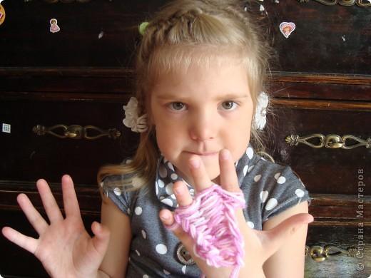 Вязание на пальцах - очень захватывающее, лёгкое и интересное занятие. Которое требует минимум времени и затрат. фото 2