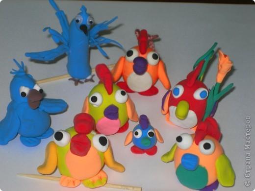 """Последняя работа моих учеников,""""Попугай Рио и его друзья из любимого мультика """"Рио"""". фото 2"""