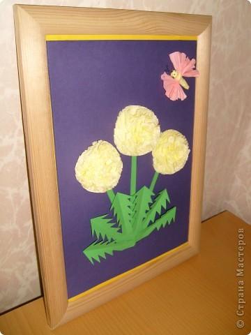 Сегодня сделала панно с одуванчиками из салфеток,стебель и листья из цветной бумаги.Бабочка из салфеток.  фото 2