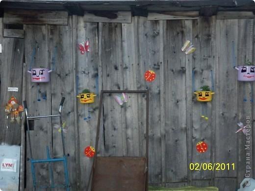 """Всем привет)))) Решила и я преукрасить свой участок))) а то дом у нас старый, невзрачный... захотелась красок... Вот к примеру разрисовала старую бочку под """"морское дно"""" извините за фон))) фото 15"""