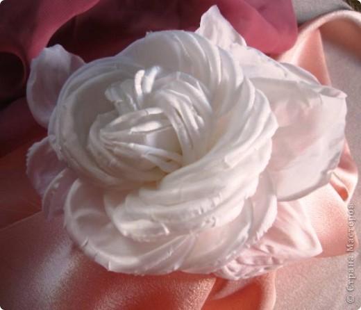 Роза из натурального шелка фото 1