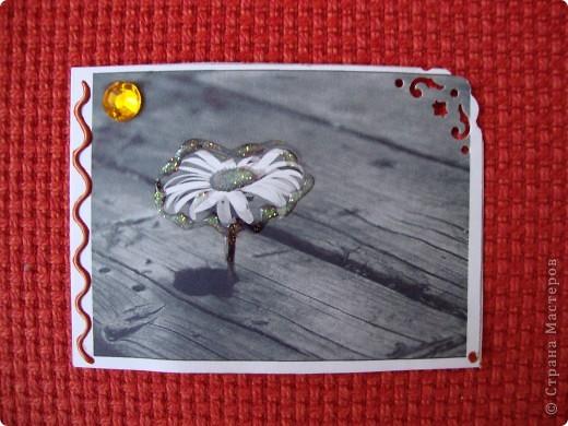 Вот мои первые АТСки=) Чёрно-белый рисунок- означает гармонию, спокойствие на душе. Может быть вы это почувствуете увидев эти карточки=) А подарки вместе с ними я вам точно обещаю ;) Мноооого подарков))) Фотки не много искажают цвет и сверкание некоторых частей карточек. фото 4