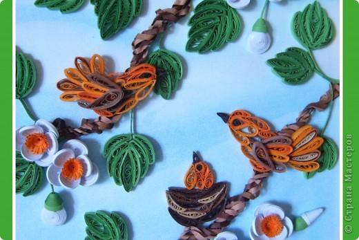 Здравствуйте  Милые Мастерицы! Вот такие птички -невелички поселились у меня дома.  Хочу выразить огромную благодарность  Мастерицам, благодаря которым  и родилась эта картина.  http://stranamasterov.ru/node/182301?c=favorite – птичка У Ларисы Анатольевны  http://stranamasterov.ru/node/180315?c=favorite – листочки у Ларисы  http://stranamasterov.ru/node/180315?c=favorite -  цветочки у Юлии      фото 7