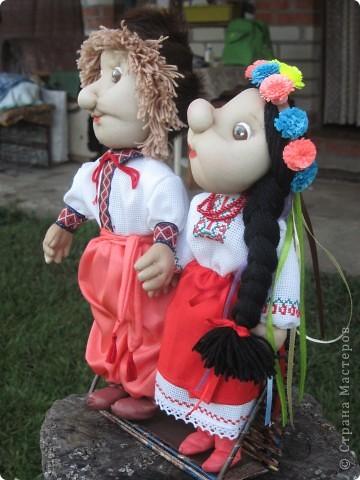Маричка и Иванко в украинских костюмах. фото 4