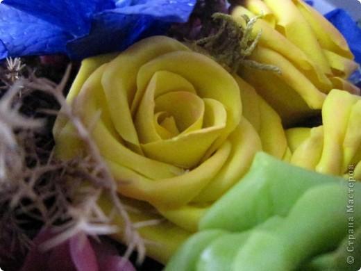 """Вот и я сварила свой многострадальный фарфор. Налепила разных цветочков, и получилась такая композиция. Счастлива до безумия! Цвета, конечно, """"вырви глаз"""",  но я же только учусь. фото 6"""