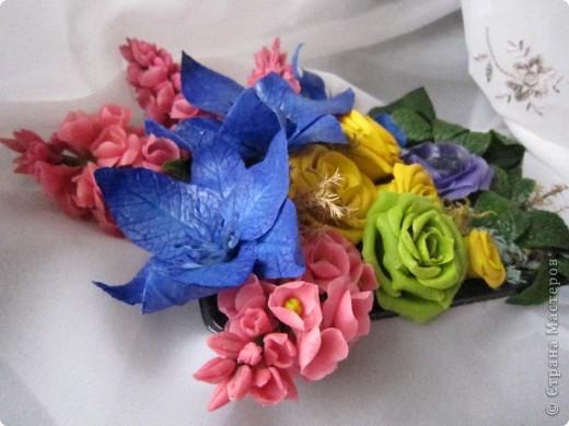 """Вот и я сварила свой многострадальный фарфор. Налепила разных цветочков, и получилась такая композиция. Счастлива до безумия! Цвета, конечно, """"вырви глаз"""",  но я же только учусь. фото 3"""