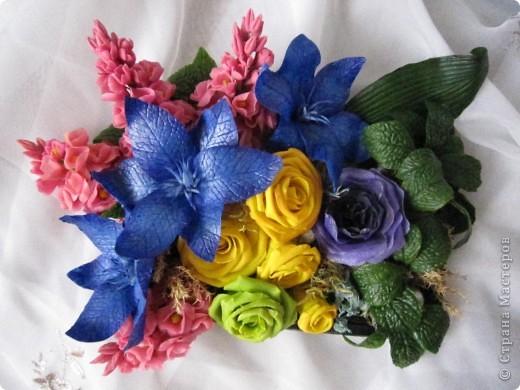 """Вот и я сварила свой многострадальный фарфор. Налепила разных цветочков, и получилась такая композиция. Счастлива до безумия! Цвета, конечно, """"вырви глаз"""",  но я же только учусь. фото 1"""