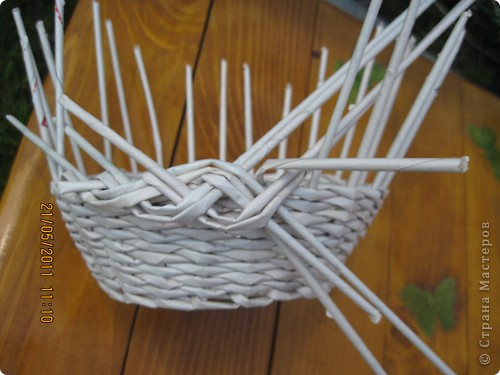 Мастер-класс Плетение Тарелочка с косичкой и МК косички от начала и до конца Бумага газетная фото 14