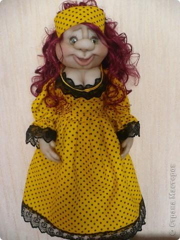 Вот такая яркая кукла-пакетница родилась.  фото 4