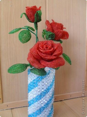 """розы из бисера  - <a href=""""http://ourworldgame.ru/rozy-iz-bisera-master-klass/"""">Розы из бисера мастер класс.</a> фото 2"""