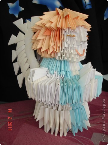 """Модульное оригами - ангел Решила опробовать модульное оригами, но т.к. птичек, которыми просто кишит в интернет, я не захотела делать поэтому подумал сотворить ангела на рождество) как ангела """"строить"""" придумывала уже по ходу работы) фото 3"""