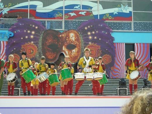 4 июня в Геленджике прошло открытие сезона 2011 года. А это как всегда КАРНАВАЛ! Я много раз была на Геленджикском карнавале, но в этом году мне понравилось больше всего! фото 4