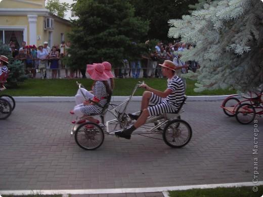 4 июня в Геленджике прошло открытие сезона 2011 года. А это как всегда КАРНАВАЛ! Я много раз была на Геленджикском карнавале, но в этом году мне понравилось больше всего! фото 9