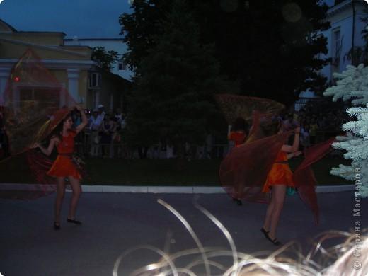4 июня в Геленджике прошло открытие сезона 2011 года. А это как всегда КАРНАВАЛ! Я много раз была на Геленджикском карнавале, но в этом году мне понравилось больше всего! фото 14