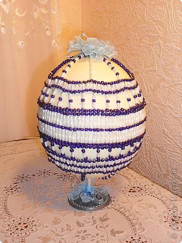 яйцо страуса, оплетённое бисером