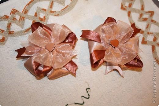 Продолжаю практиковаться в шитье бантиков. Подарок для двоюродной племянницы. фото 1