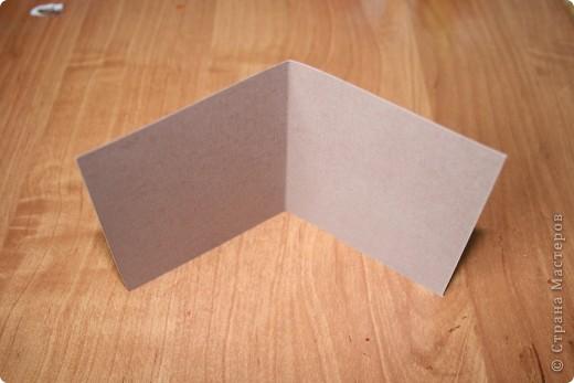 Еще открыточка из книги японских мастеров. Минуткой назвала, потому что делается быстро... как и предыдущие две. Для работы понадобятся, лист плотной бумаги, лист офисной бумаги, клей, наклеечки и ленточка для украшения. фото 2