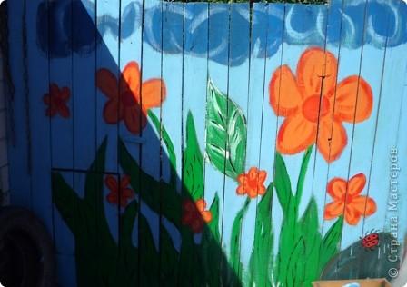 Это  один элемент росписи на воротах. На фото тень от палочки. фото 4