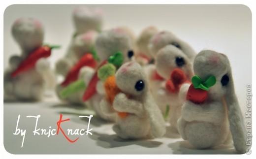заказ на 10 ушастых был сделан к новому году - году кролика!) материал - шерсть, пластика, пастель высота - 5-6 см фото 3
