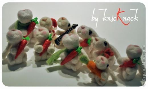 заказ на 10 ушастых был сделан к новому году - году кролика!) материал - шерсть, пластика, пастель высота - 5-6 см фото 2
