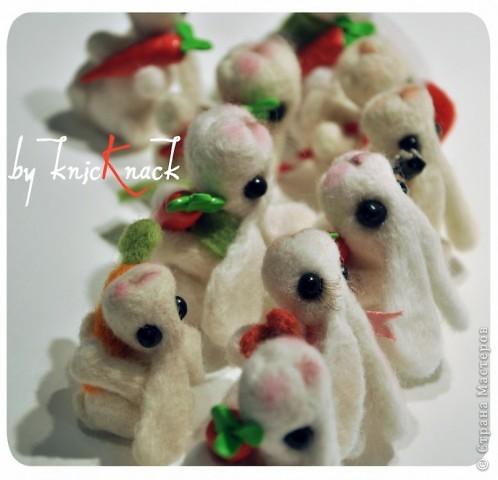 заказ на 10 ушастых был сделан к новому году - году кролика!) материал - шерсть, пластика, пастель высота - 5-6 см фото 5