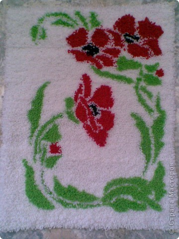 """Мой первый коврик в технике """"ковровая вышивка"""" Делала для ванной комнаты. Размер 40 см на 80 см. фото 1"""