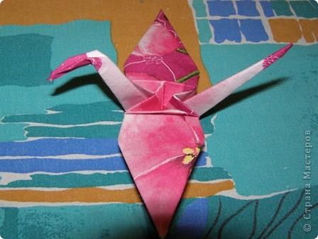 Этот журавлик из бумаги из салфеток.