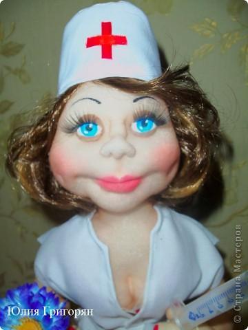 Еще одна медсестра фото 3