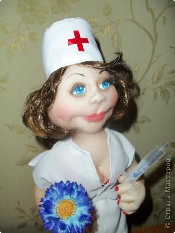 Еще одна медсестра фото 4