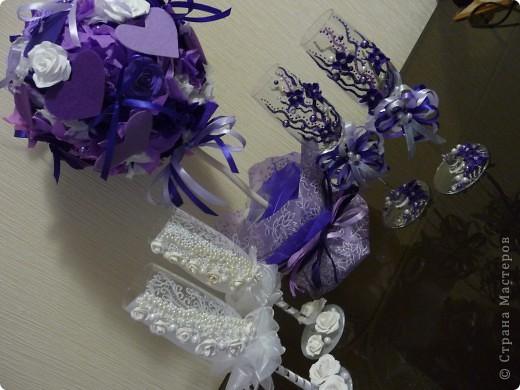 Красивые бокалы жениха и невесты – память и семейная реликвия. С ними отмечаются все годовщины свадьбы, они напоминают о прекрасном дне – дне рождения семьи. фото 3